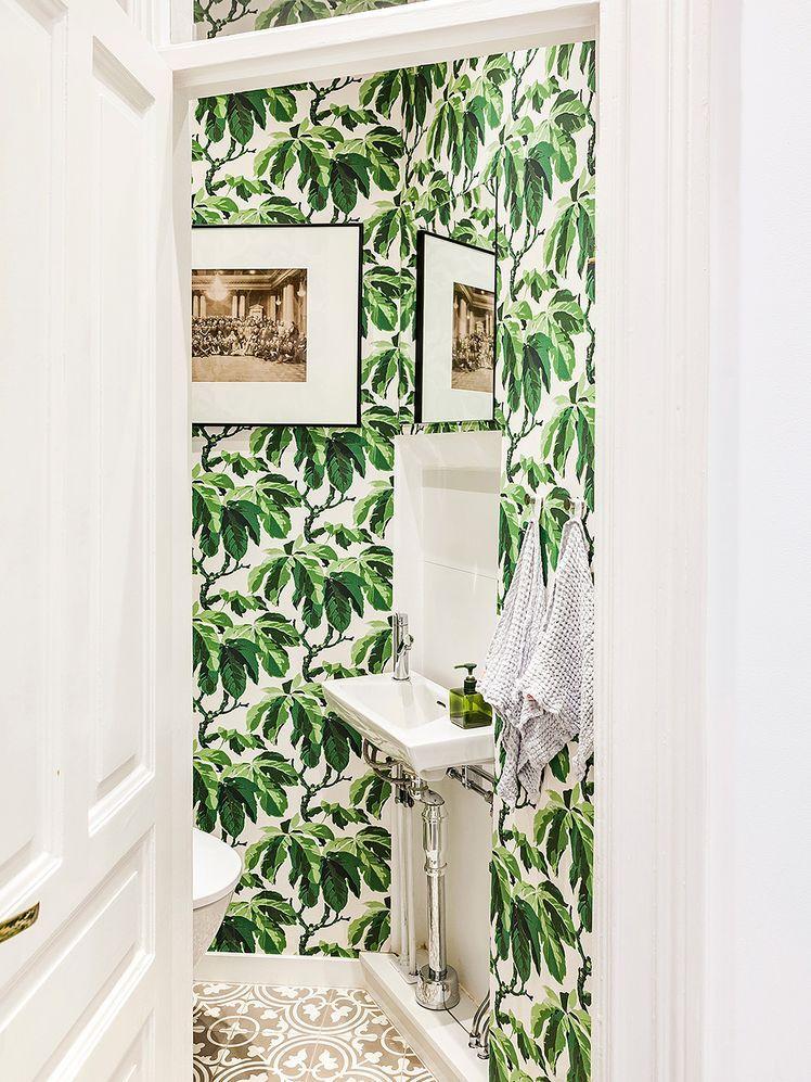 Home next to Vasastan | d e c o r  | Tropical wallpaper ...
