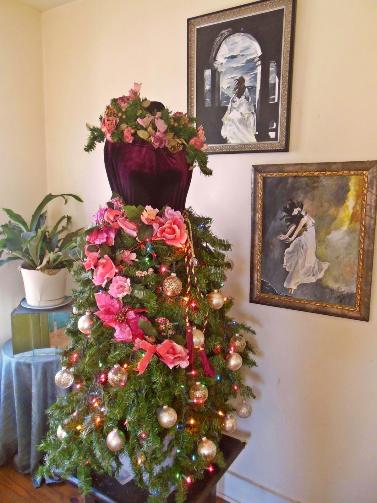 Southern Artistic Touch: Non-Traditional Christmas trees using Dress ...