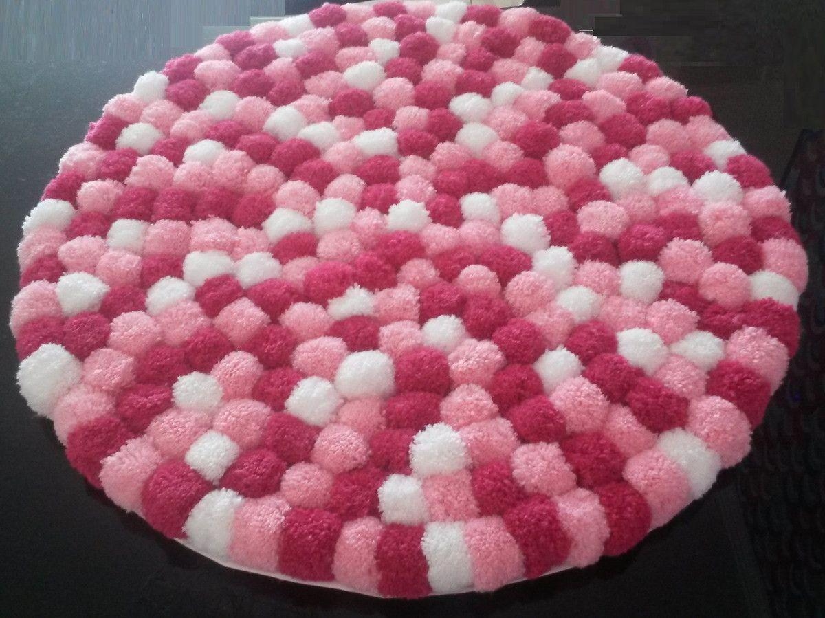 pingl par mabel myslane sur tricor pinterest ponpon pompons et tapis. Black Bedroom Furniture Sets. Home Design Ideas
