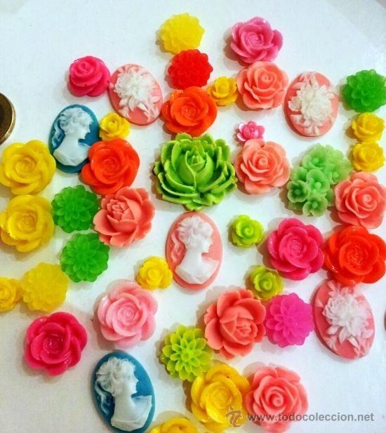 5b526e74b094 Precioso lote de camafeos flores de resina para bisuteria vintage. TODO  NUEVO SIN USO (