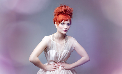 alison sudol before she went blonde. always loved her as a ginger.