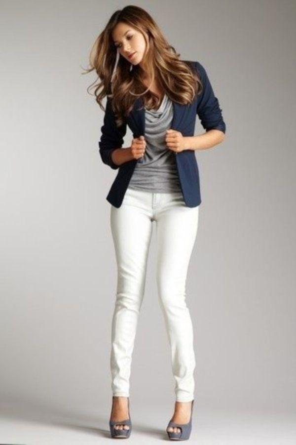 40 ideas de outfits con pantalones blancos.  d00fd90e7e9