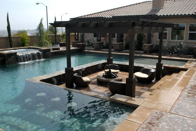 12 amazing pools with swim up bars pool houses backyard for Pool design with bar