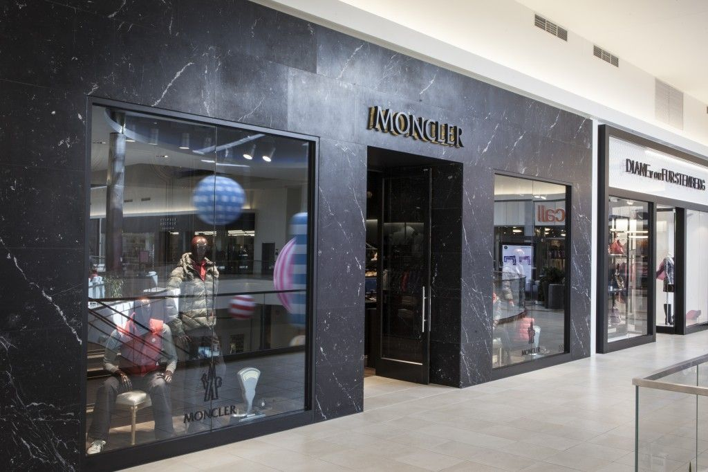 moncler outlet store