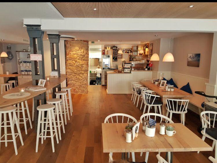 Bonne Cafe Und Bar Eberhardstr 16 71634 Ludwigsburg Cafe Bar Ludwigsburg