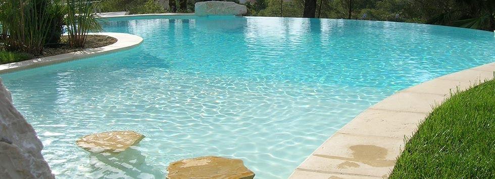 Cibel Construction de piscine en beton armé monobloc dans les Alpes