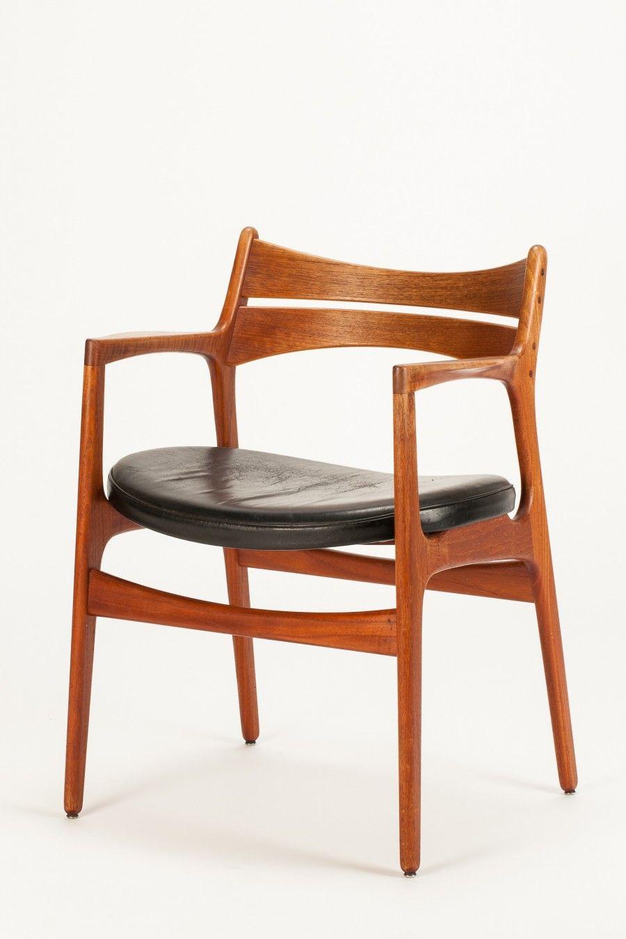 Erik buck 310 teak and leather armchair for christian for Klassische skandinavische mobel