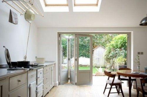 Keuken Aan Tuin : Mooi keuken ontwerp met harmonicadeuren naar de tuin ruimte