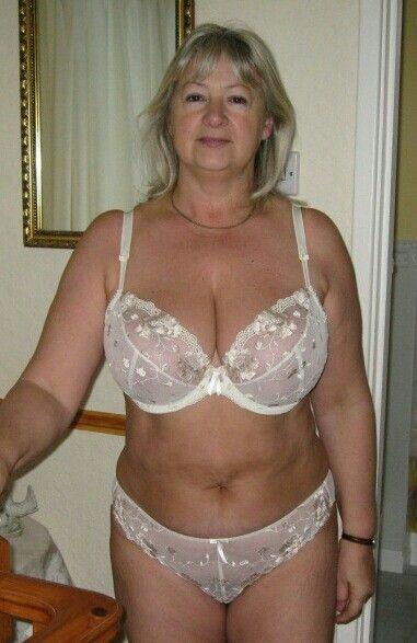 Pin Af Kris174 På Gamle Gals Sexy Older Kvinder, Gamle Modne-3702
