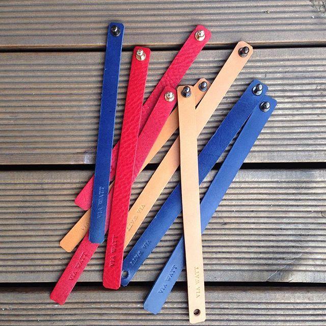 #leatherbracelet #italianleather #bracelet #leather #rea #blue #tan #mensfashion #womensfashion #fashion #handmade #VIAWATT #seoul #팔찌 #이태리가죽 #레드 #블루 #탄 #패션 #남자 #선물 #핸드메이드 #비아와트 #성북동