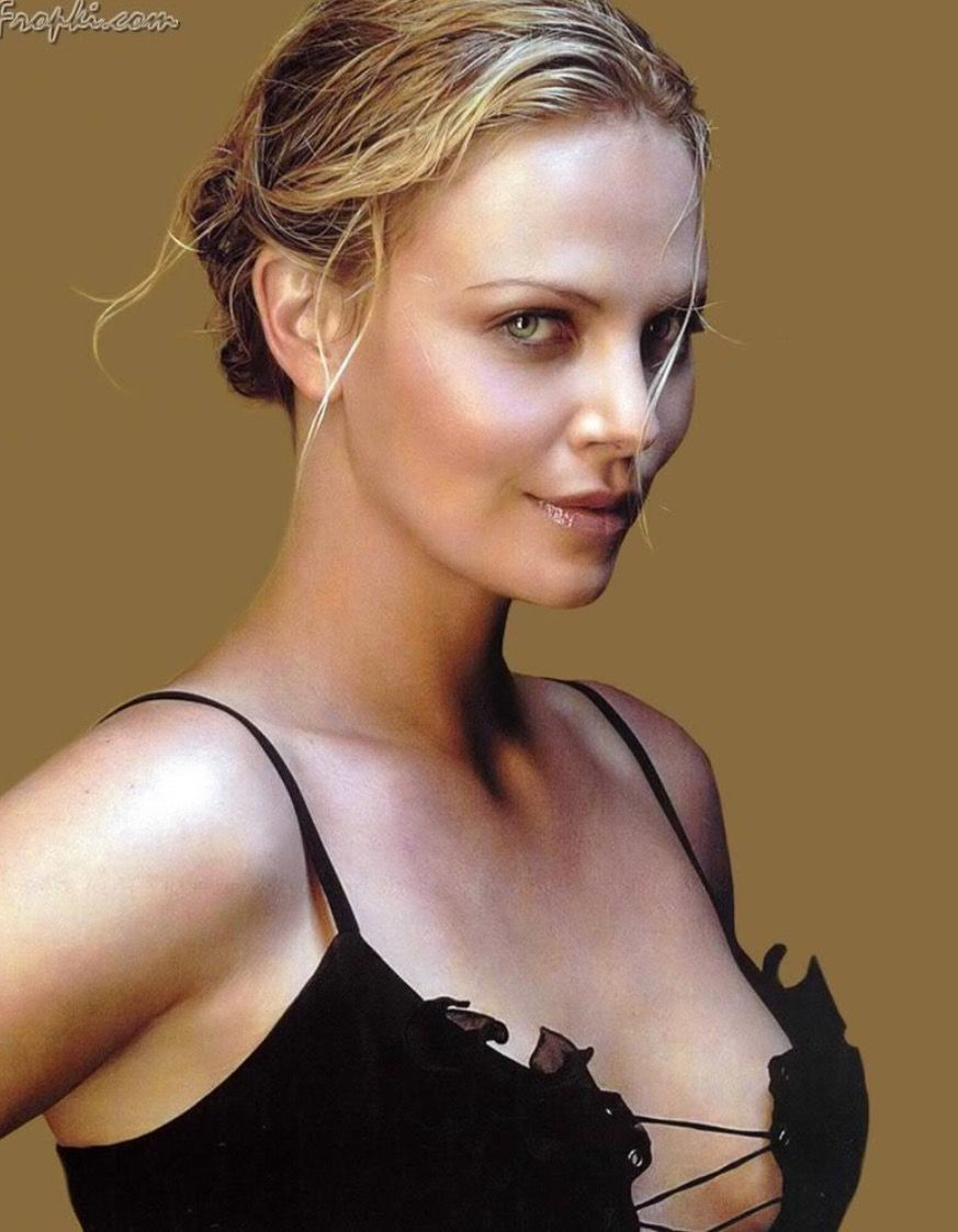 Heroine haircut images charlize theron  poses  pinterest  charlize theron actresses and