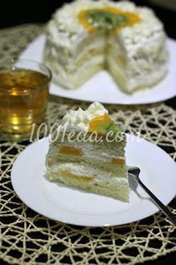 Торт с фруктами и взбитыми сливками в мультиварке: рецепт ...