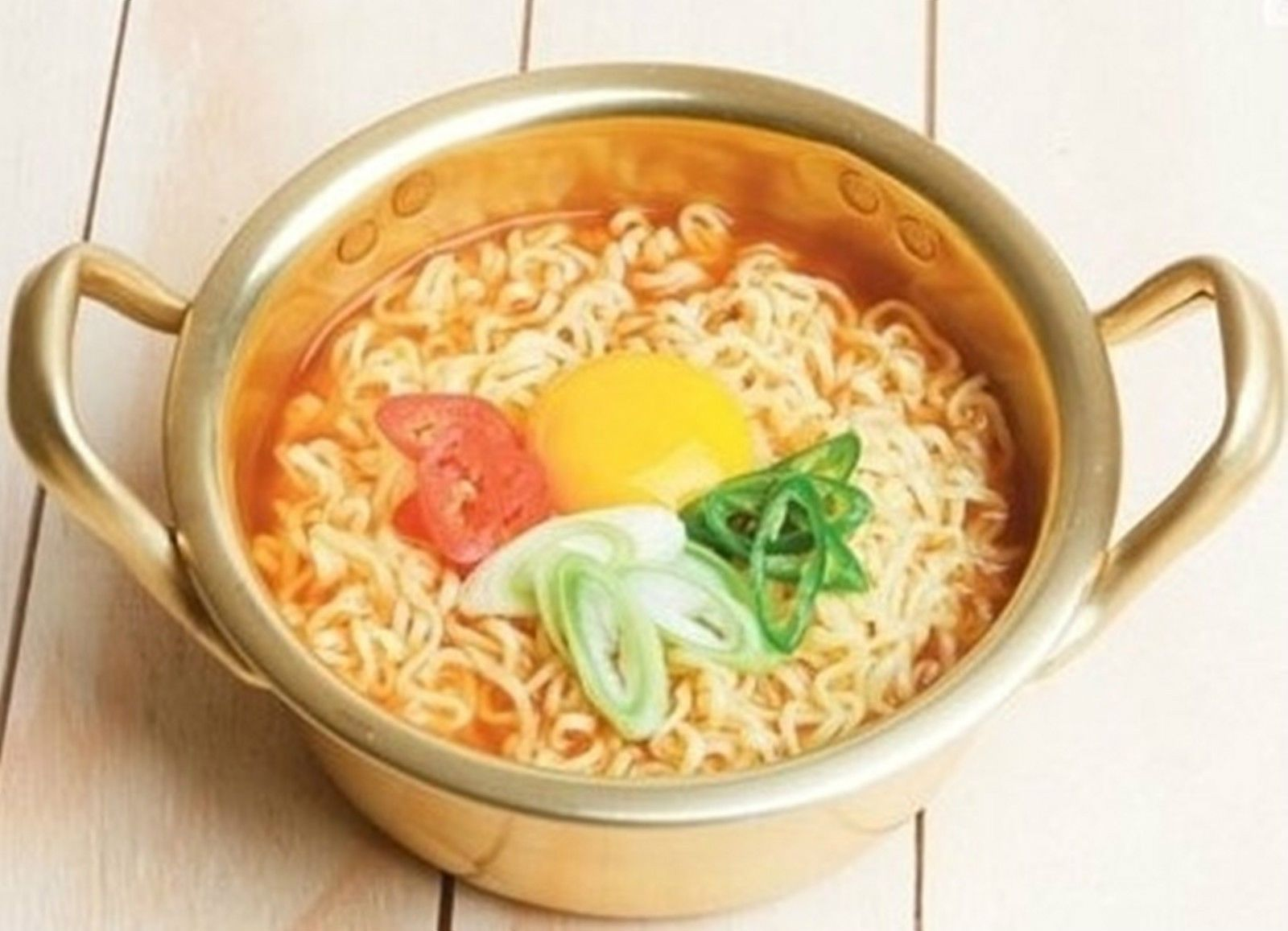 "Shin Ramen Pot 1 Premium Ramyun+Noodle Pot 7.1"" For 2 Person + Shin Ramen  Socks 