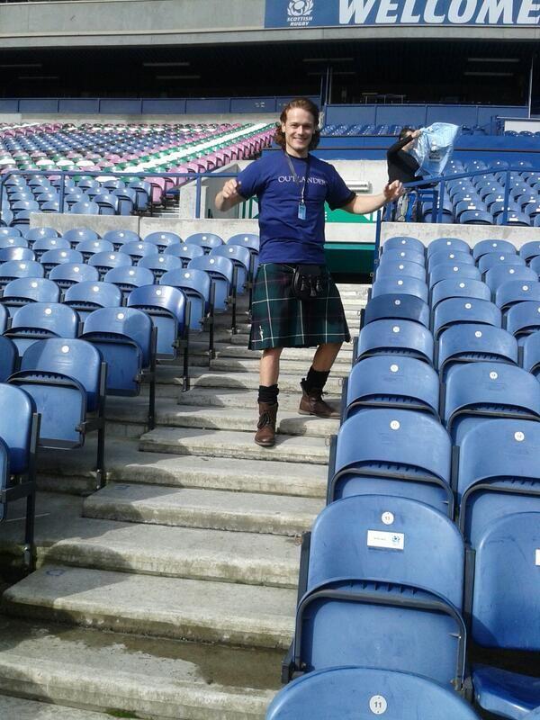 Sam Heughan (Jamie) Look who's joining us on @robb caldwell Walk today! in Edinburgh 5/11/2014