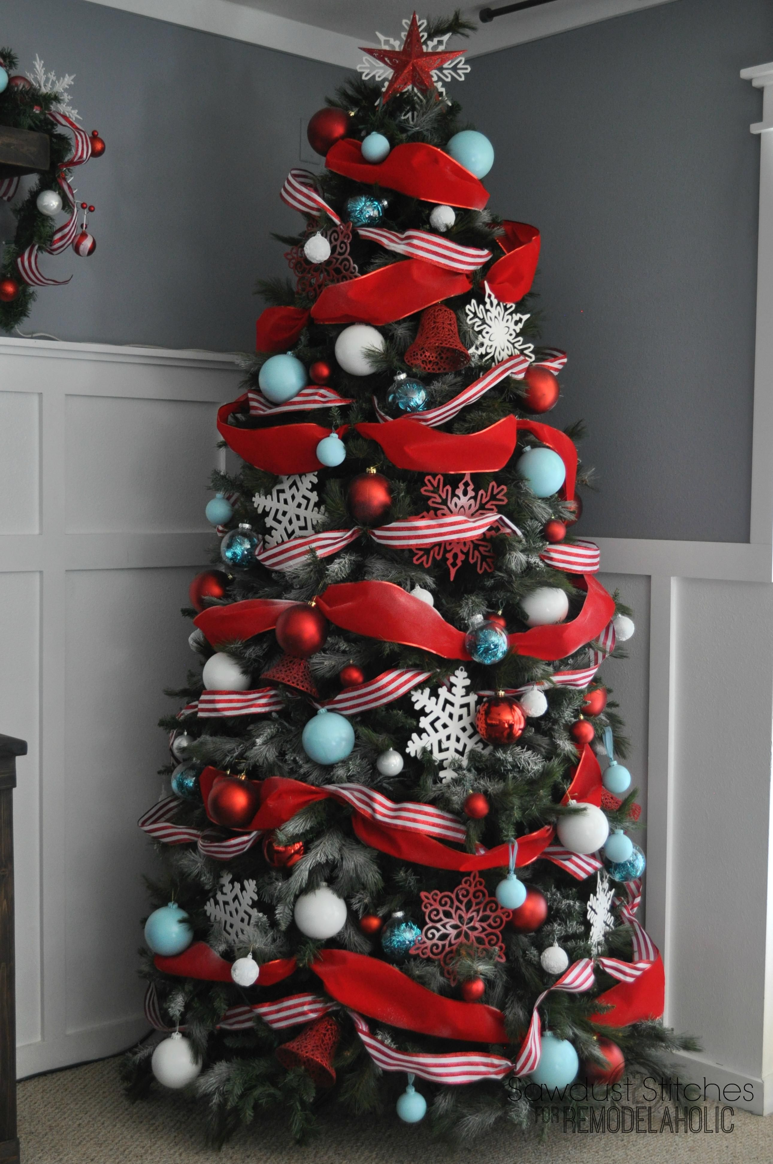 Christmas Tree Decoration Ideas  Red Garland Frosted Branches, And