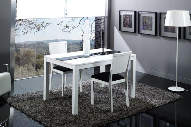 Mesa lacada en blanco y extensible para comedor cristales for Mesa comedor haya