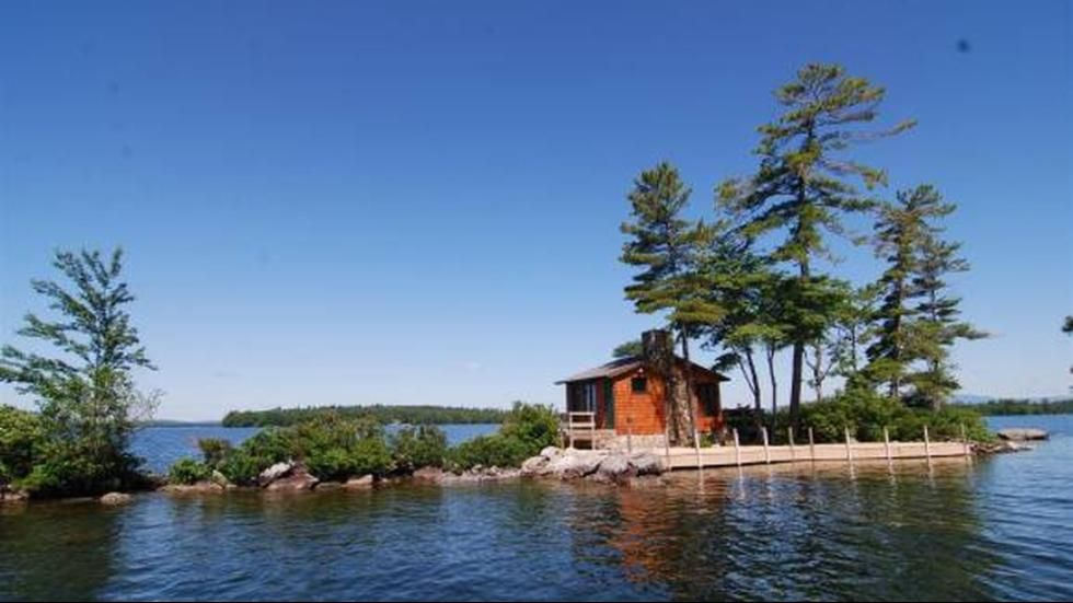 Fine New Hampshire This 340 Sq Ft Home On Lake Winnipesaukee Is Download Free Architecture Designs Aeocymadebymaigaardcom