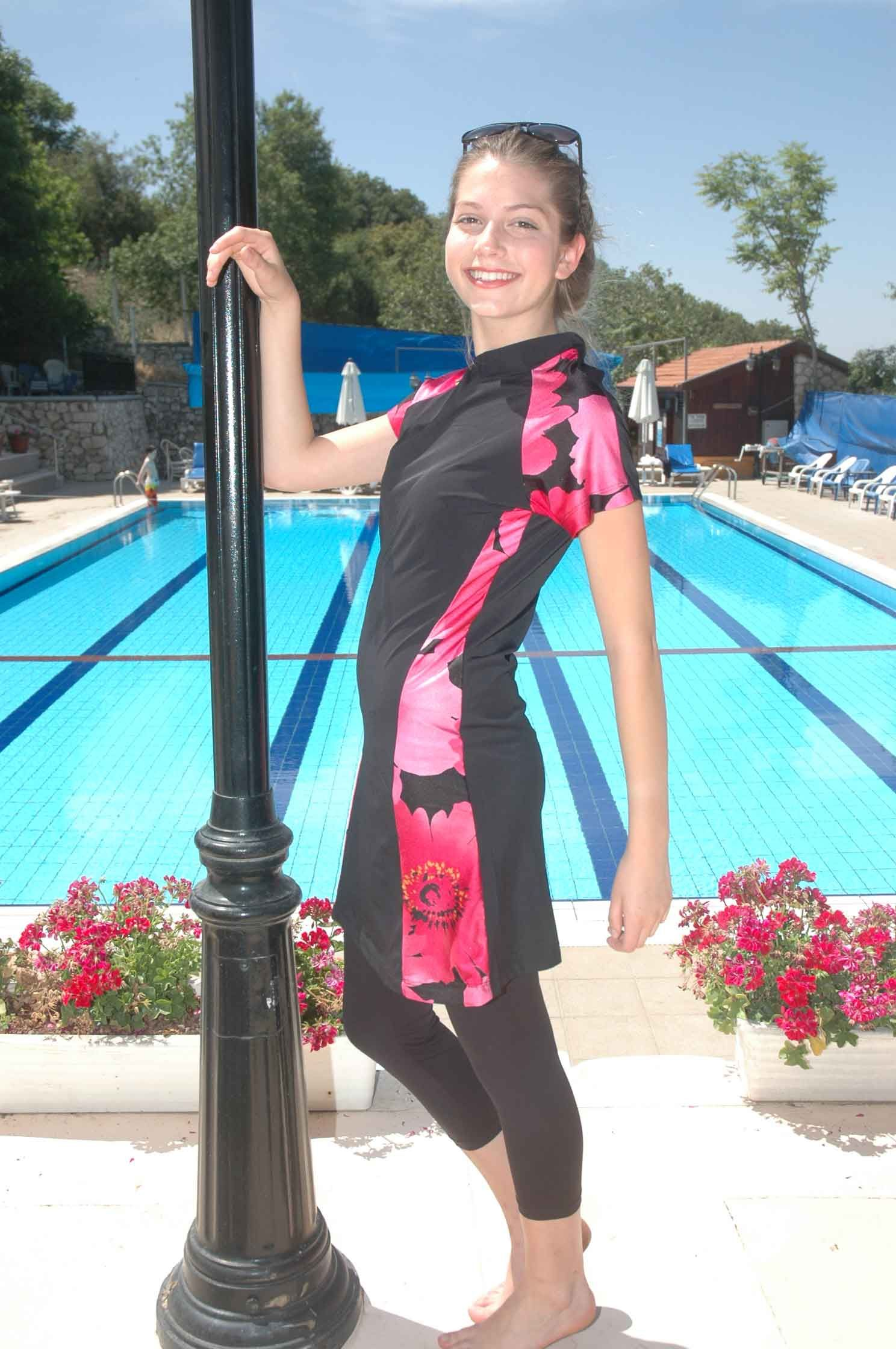 women's modest swimsuit ~ A beautiful and comfortable
