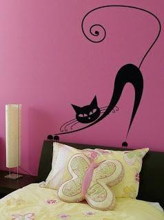 decora tus paredes con plantillas de vinilo