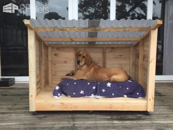 Roomy Pallet Dog Kennel Pallet Dog House Dog Houses Outdoor Dog