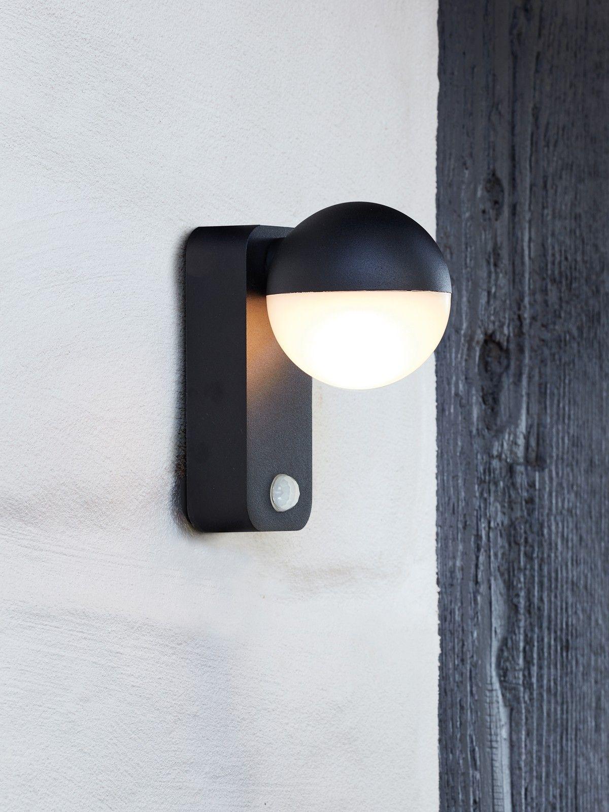 Ledlux Polo Led Ip65 Wallbracket With Sensor In Black Led Outdoor Lighting Beacon Lighting Lighting