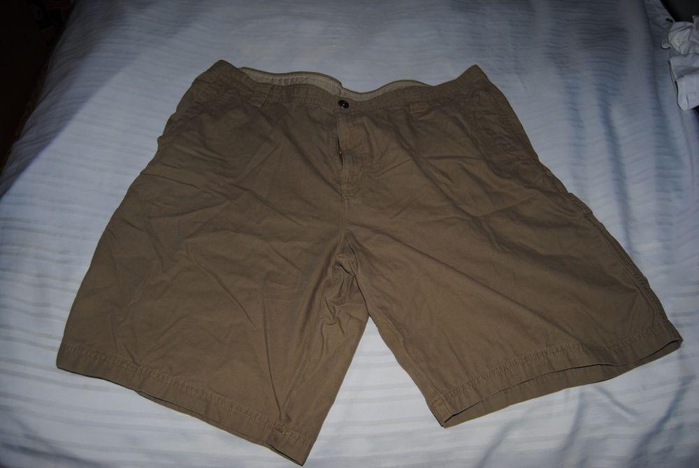 Columbia Sportswear men's size 44 cargo type shorts tan