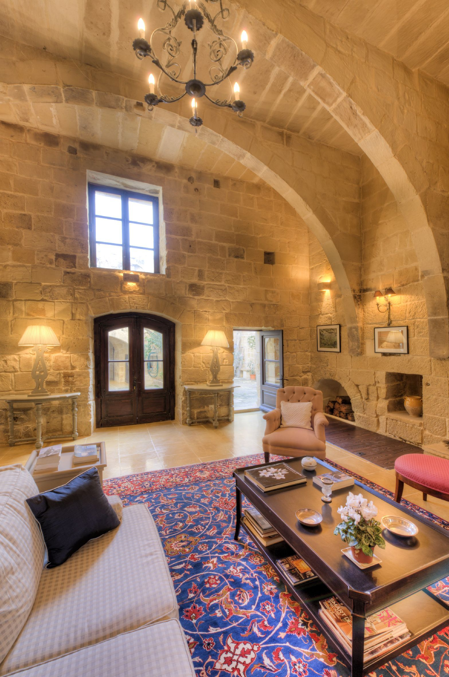 Fantastic HOUSE OF CHARACTER in Zebbug (Malta) with ample