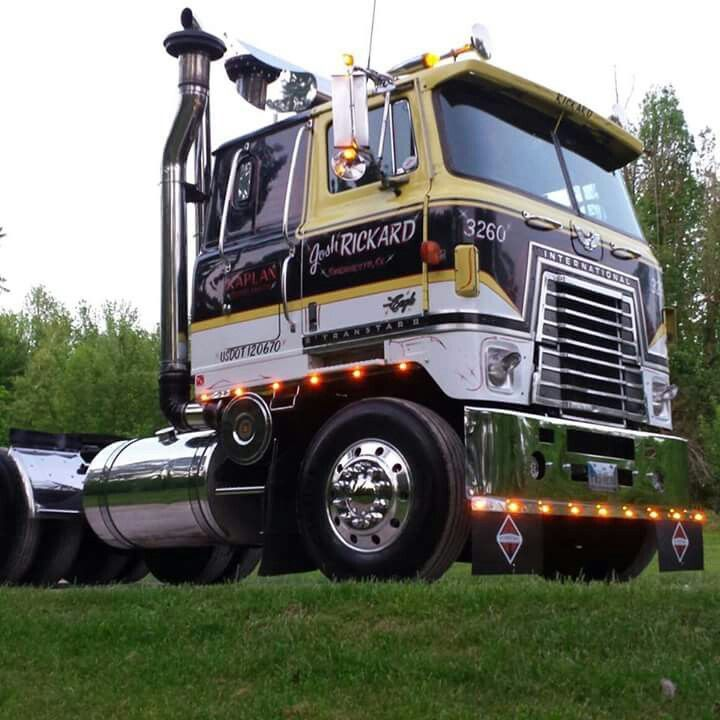 Mack Truck Rod Before And After: International Harvester Transfer 4070A Cabover.