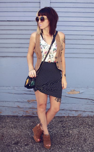 <3 the whole outfit. Mixed patterns ! & THE WEDGES :)