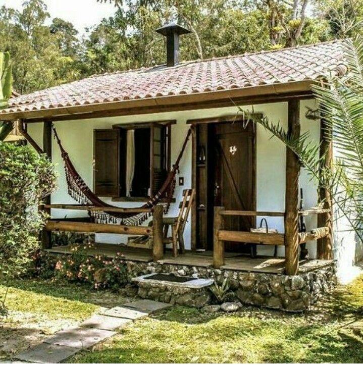 Piedra y madera peque a casa casas piedra y madera for Casas prefabricadas pequenas