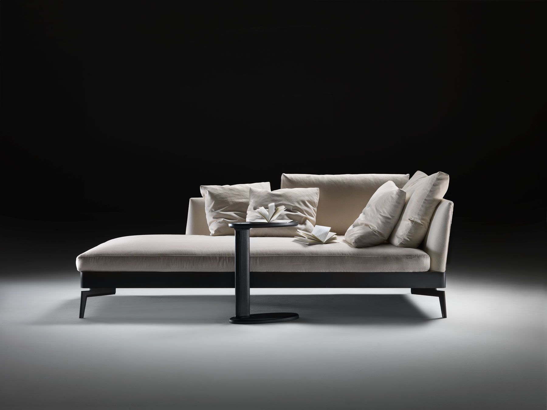 Best The Feelgood Chaise Embodies The Spirit Of True 400 x 300