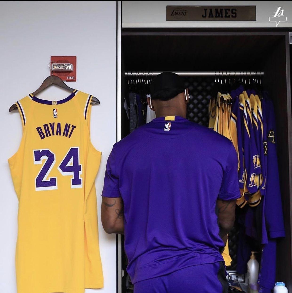 Kobe Jersey Next To Lebrons Lockers Respect In 2020 Lebron James Lakers Kobe Bryant Black Mamba Kobe Bryant