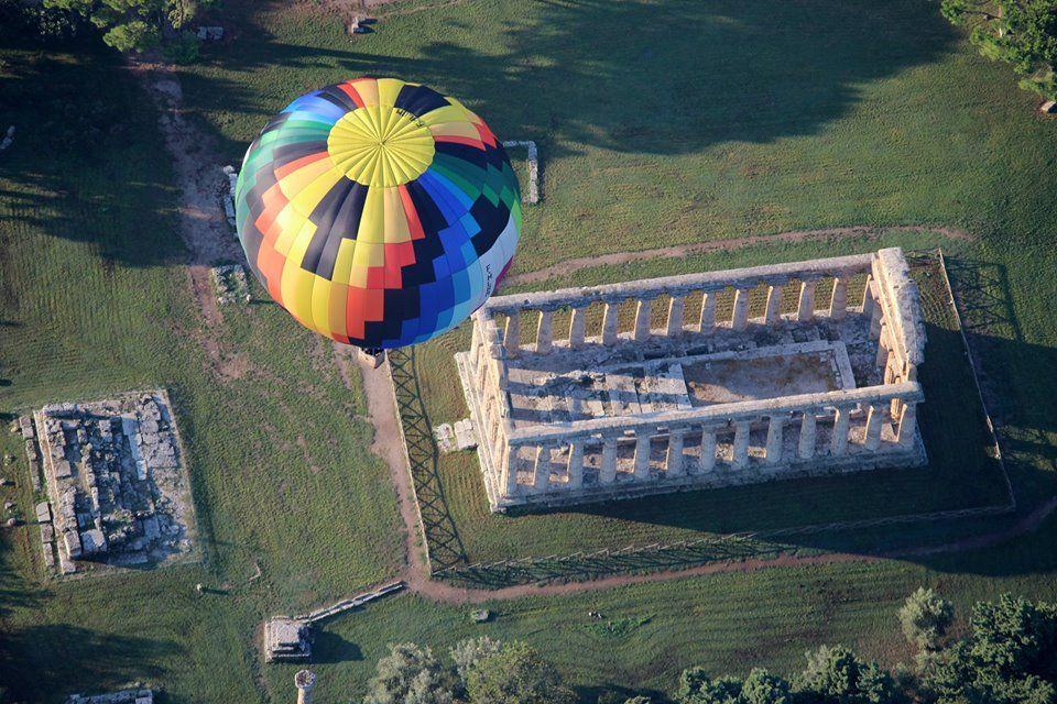 Fino all'11 ottobre a #Paestum è in programma il Paestum Balloon Festival, il #Festival delle #Mongolfiere.