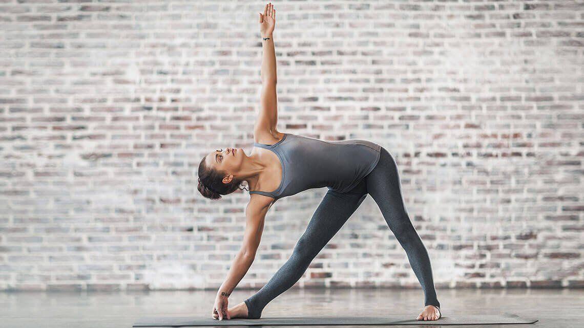 Yoga-Übungen für Einsteiger und Fortgeschrittene ...