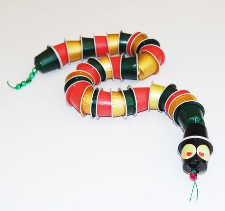 Serpent articul en capsules caf capsules nespresso serpent et nespresso - Decoration avec capsule nespresso ...
