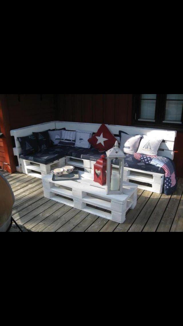 sitzecke aus palletten inspiration m bel aus paletten. Black Bedroom Furniture Sets. Home Design Ideas