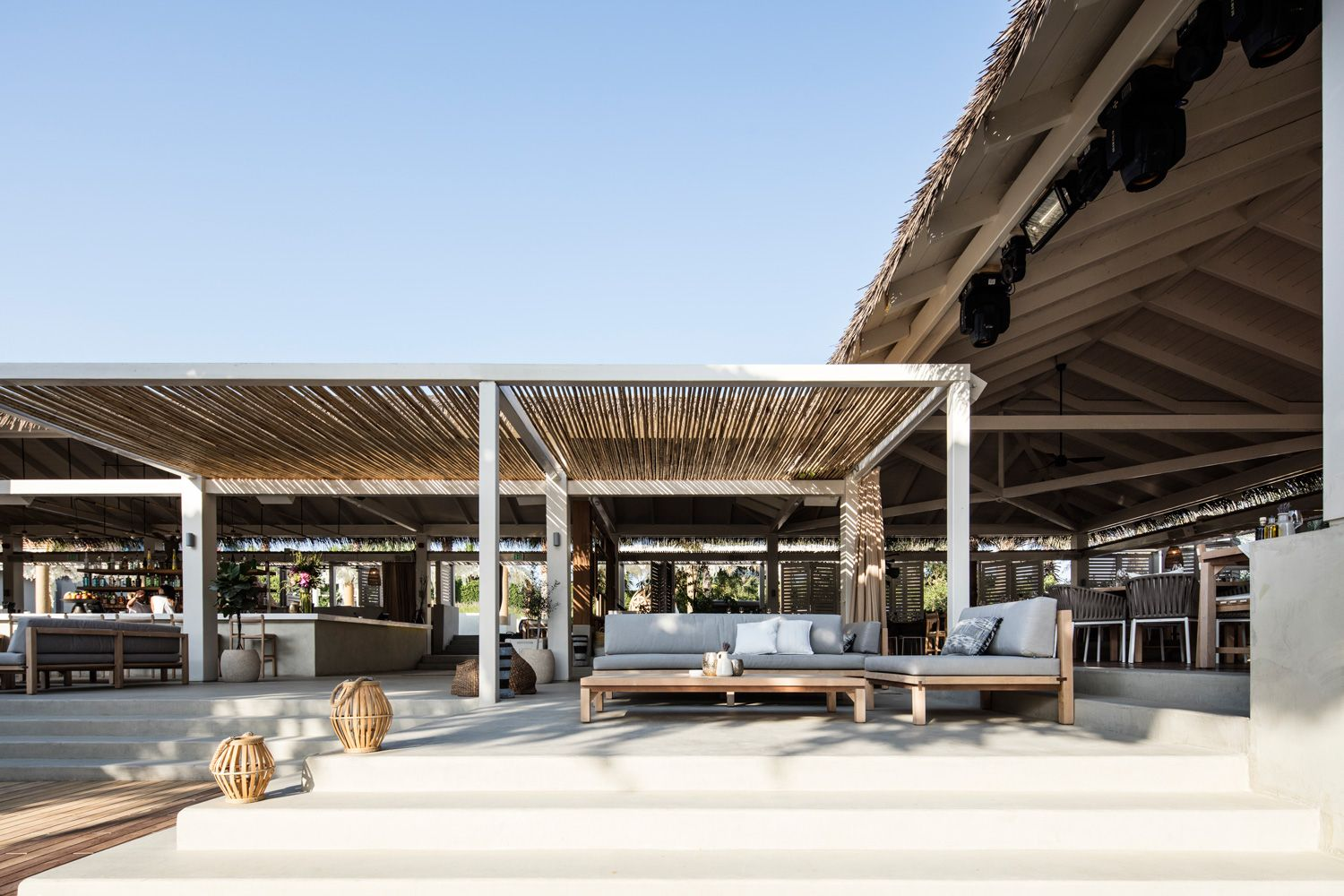 El Chiringuito Ibiza.Dubai feels naturally connected with the outdoors, yet manages to protect guests from the intense climate where most needed.