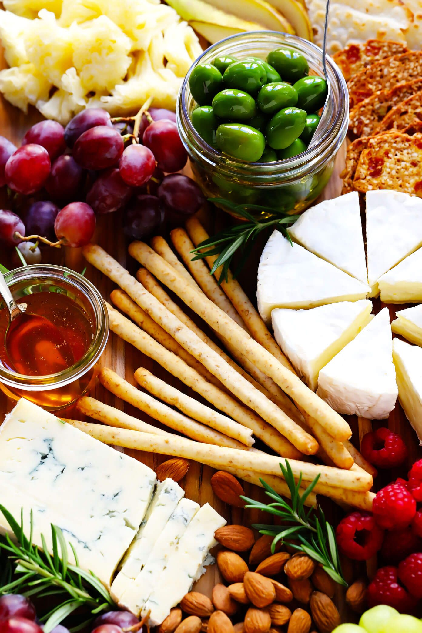 Plateau De Fromages Des Fetes Donne Moi Du Four Plateau De Fromage Recette De Plat Aperitifs Noel