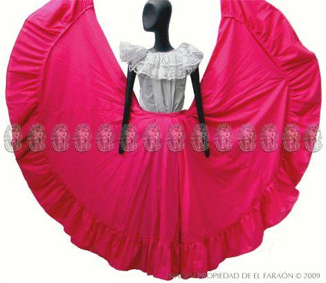 7af9f14ed Falda de ensayo con blusa tradicional   Ballet folklorico   Traje de ...