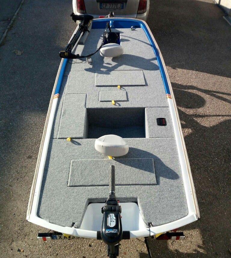 Nice Custom Carpet Job On Jon Boat Aluminum Fishing Boats Bass Boat Diy Boat