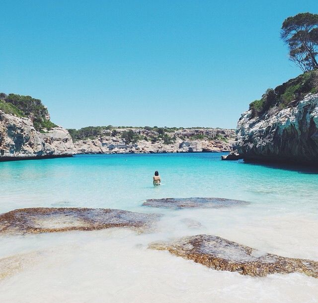 Mallorca, Cala Des Moro, Cap Des Moro  SHOP: www.seayogi.es  IG: @Seayogipalma   Ropa para Yoga  ---  Yoga apparel & Gear  #seayogi #seayogipalma #mallorca #palma #yoga #boutique #españa