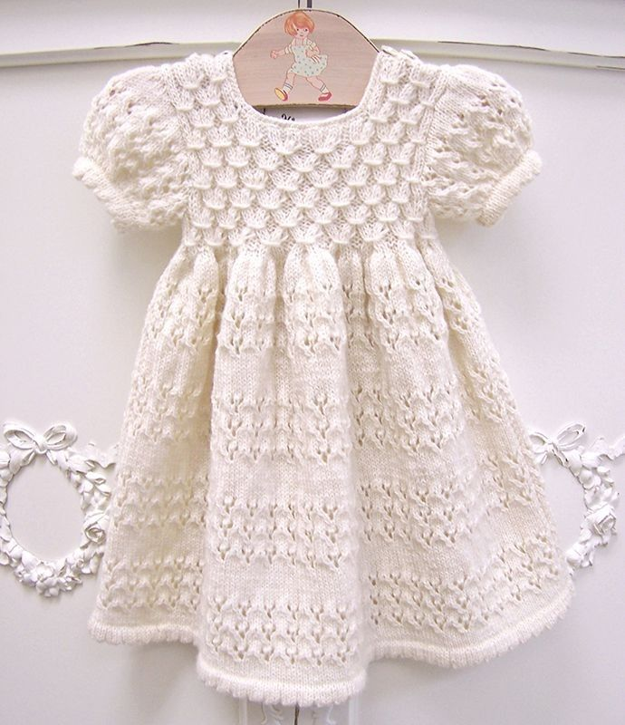 If There Is A Pattern I Can T Find It But It Is Beautiful So I M Pinning It Girls Knitting Girls Dress Models 123 Baby Knitting Patterns Baby Outfits Kizlar