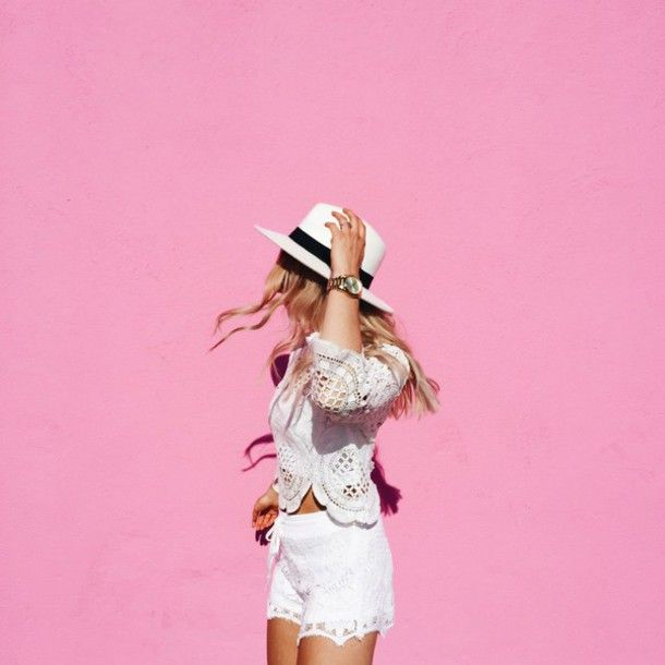 Top: vickys style, blogger, white top, crochet top, white shorts, lace shorts, white hat, all white everything, summer outfits, summer shorts - Wheretoget