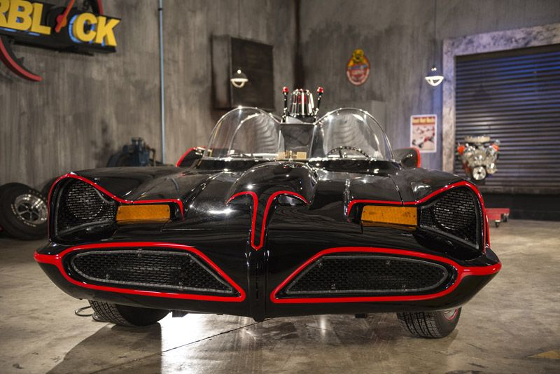 Batmobile REPLICA built from a 1976 Pontiac Catalina Station wagon! Awesome!