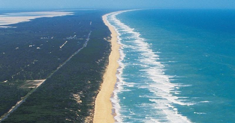 There are a lot of long and straight things in Australia: a 145-km stretch of road  without a turning, a 478-km stretch of dead-straight rai...
