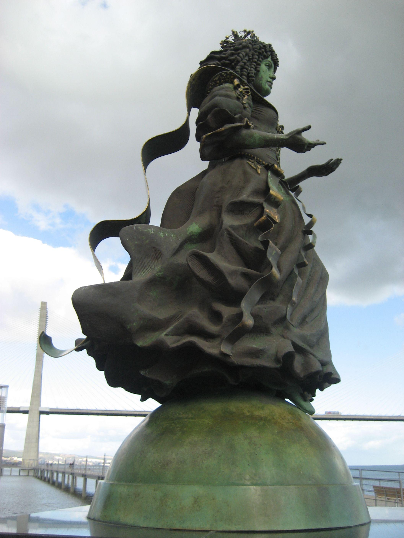 Catarina de Bragança, Princess of Portugal and Queen of England - Parque das Nações, Lisbon - photo by NuCeu