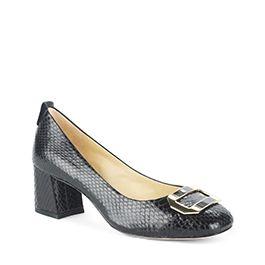 medium heel court shoe