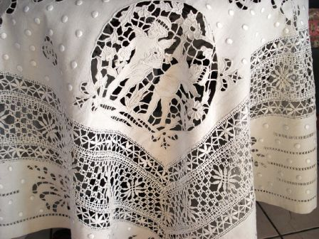 Chantilly Lace Table Cloths | Home Tabletop Lace Exquisite Antique Handmade  Venetian Lace Tablecloth .
