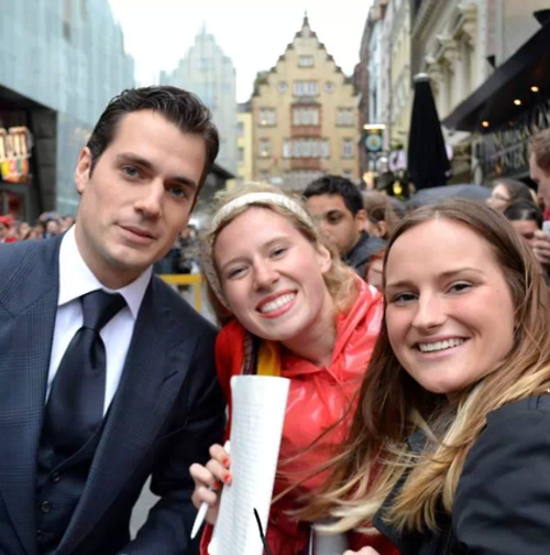 "FLASHBACK FAN PIC  Courtney brought us another great picture from the Man of Steel premiere in Leicester Square.  Here is what she said. ""Henry Cavill, the Man of Steel, my new love.""  It's a common sentiment.  Excellent picture!  Thanks Courtney!"