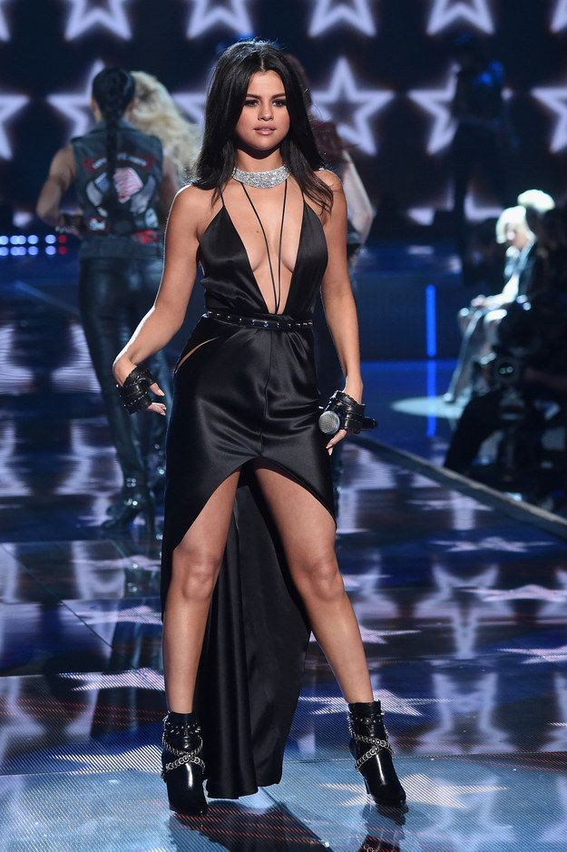 Last Night Selena Gomez Took The Runway At The Victorias Secret Fashion Show To Perform A Medley Of Her Two Tracks Hands To Myself And Me My Girls